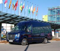 La empresa Grand Class,  con más de 20 años de experiencia, pone a su servicio una amplia gama de autocares, minibuses, minivans y coches con chofer