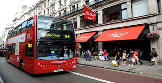 Llega a los autobuses de Londres el pago con tarjeta de crédito sin contacto