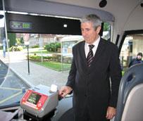 Asturias y Telefónica inician el proyecto piloto para acceder al transporte público a través del móvil