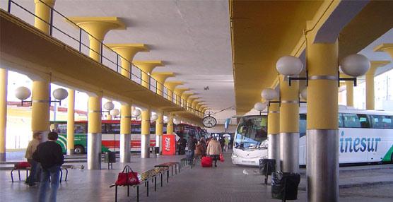 La Junta de Andalucía propone compaginar los servicios regulares y turísticos en la estación sevillana del Prado de San Sebastián