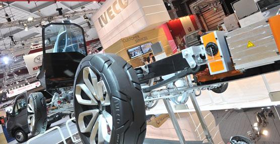 Iveco despliega su apuesta por la movilidad sostenible en el 91 salón europeo del motor de Bruselas
