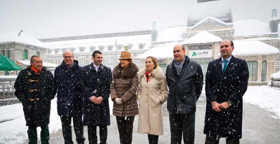 Fomento y el Gobierno de Aragón firman la transmisión de la estación de Canfranc al Gobierno de Aragón