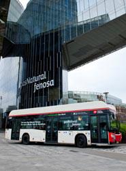 Prototipo de autobús de GN convertido en híbrido eléctrico.