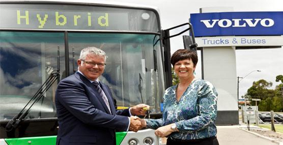 Volvo Bus entrega su primer vehículo híbrido Volvo B5R para la región de Asia-Pacífico y Australia