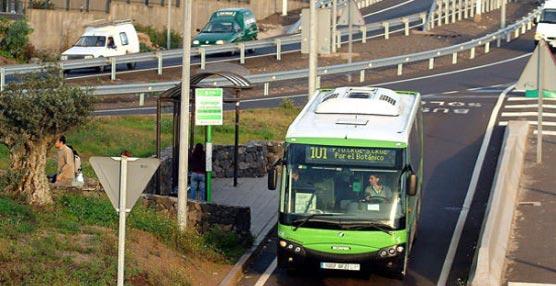 Titsa traslada las paradas situadas al comienzo de la carretera de Los Campitos 'para mejorar la seguridad vial y la de los viajeros'