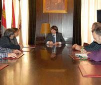 El Ayuntamiento de Soria y Agrutranso concretarán en un documento la gestión del centro logístico de Valcorba