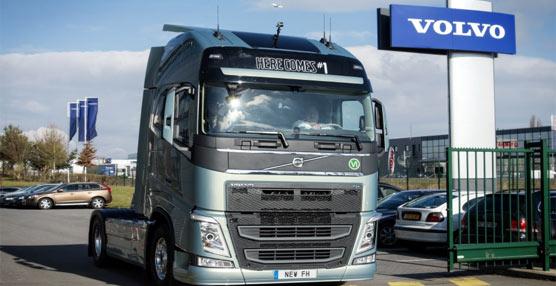 La empresa de transporte Ducournau Transport pone en funcionamiento el primer nuevo Volvo FH