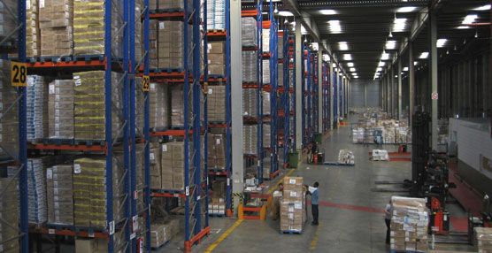 Interior de uno de los almacenes del Grupo Carrefour.