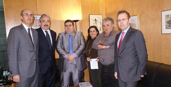Fegatramer comienza una ronda de reuniones con los grupos parlamentarios para exponer la situación del transporte en Galicia