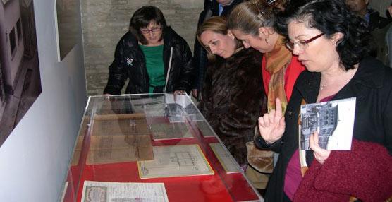 Tuzsa clausura la muestra 'Un viaje en el tiempo' con un balance 'exitoso' de 20.000 visitantes