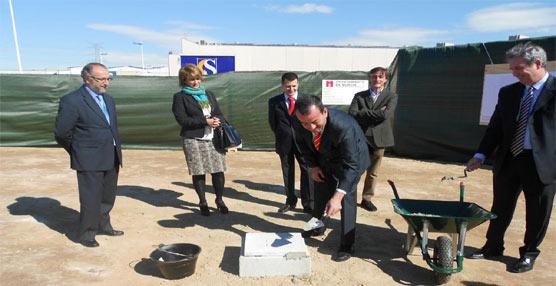 Murcia inicia la construcción de las cocheras de Transportes de la ciudad con la colocación de la primera piedra