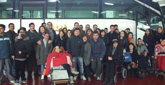 Murcia pone a disposición de las organizaciones de personas con discapacidad los autobuses adaptados del Parque Móvil