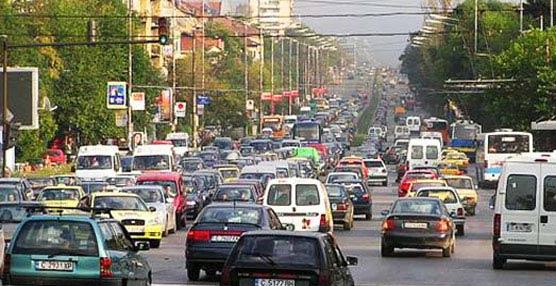 La Agencia Europea de Medio Ambiente advierte de los 'elevados niveles de contaminación que provocan los vehículos pesados'