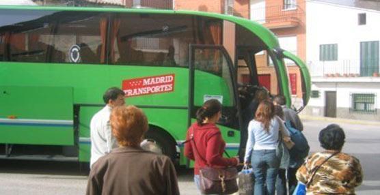 Aetram y el SLT firman un acuerdo 'que regirá el transporte de viajeros por carretera de Madrid'