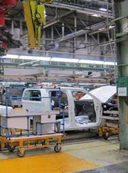 Nissan asegura que el acuerdo en Barcelona permite a la planta competir a nivel mundial