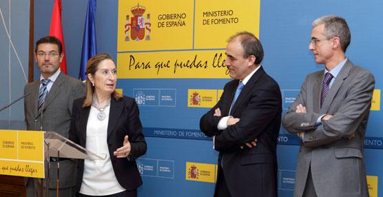 La ministra de Fomento, Ana Pastor, ha presidido el acto de toma de posesión de Manuel Niño como secretario general de Infraestructuras.