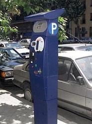 El nuevo sistema madrileño de parquímetros permitirá renovar el ticket desde el móvil