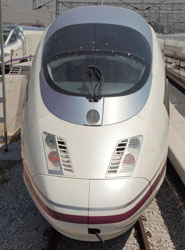 Renfe ofrece 4.400 plazas adicionales en trenes de Cercanías que unen Murcia con Alicante para ir al Festival Spring