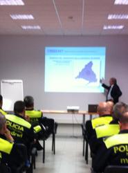 La EMT de Madrid imparte cursos para mejorar la cooperación entre Policía municipal y agentes de movilidad
