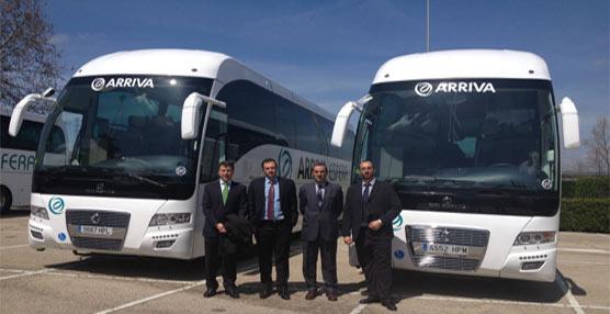 Arriva Esfera presenta cuatro nuevos autobuses 'en una clara apuesta por remontar el Sector discrecional'