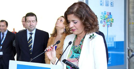 La alcaldesa de Madrid presenta un proyecto que incorpora nuevas tecnologías al servicio de la EMT