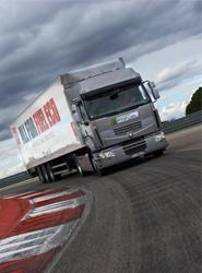 Renault Trucks entrega 26 paquetes Premium Optifuel 'gracias a la celebración del Optifuel Challenge'