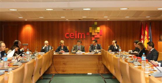 La Comisión de Transporte y Movilidad de CEIM expone a Pablo Cavero la 'difícil' situación del Sector