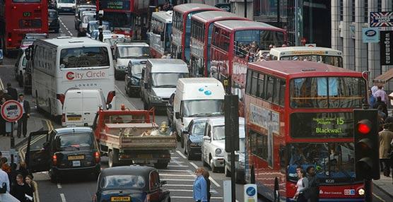 Los tribunales británicos consideran que restringir el tráfico urbano 'no ha mejorado la calidad del aire'