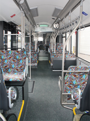 Interior del autobús Solaris Urbino 18.75.