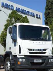 Iveco lanza en el mercado de Argentina su nuevo camión semipesado Tector Attack disponible en tres versiones