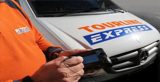 Un trabajor de Tourline Express.