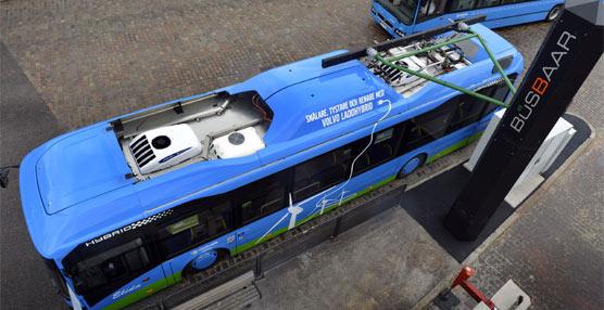 Volvo ya prueba susnuevas estaciones de servicio para suministrar energía a autobuses híbridos