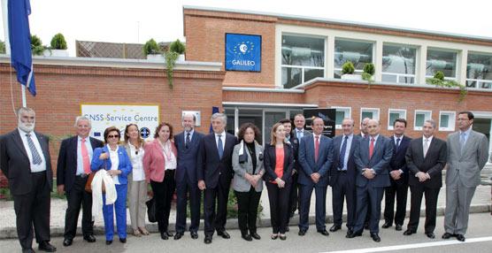 Pastor y Tajani inauguran el Centro de Servicios Galileo 'Loyola de Palacio' en las instalaciones del INTA
