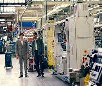 La factoría de Iveco en Madrid se convierte, por un día, en pasarela fotográfica de moda para Forbes