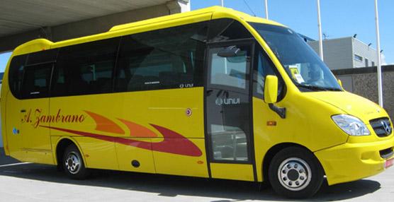 Autocares Zambrano incorpora a su flota dos nuevos Compa T de Unvi con chasis Mercedes Vario 818