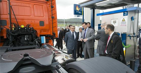 Gas Natural Fenosa inaugura la primera estación de España de GNL para transporte por carretera en Álava