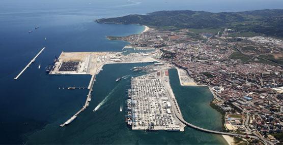 El Puerto Bahía de Algeciras cierra el primer cuatrimestre del año con un incremento en el movimiento de mercancías