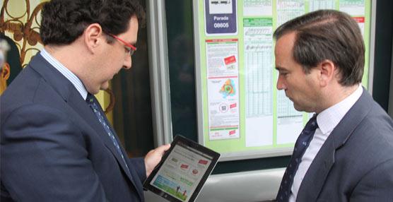 Getafe estrena su primera marquesina con wifi gratuito que la Comunidad de Madrid ha instalado para el servicio interurbano