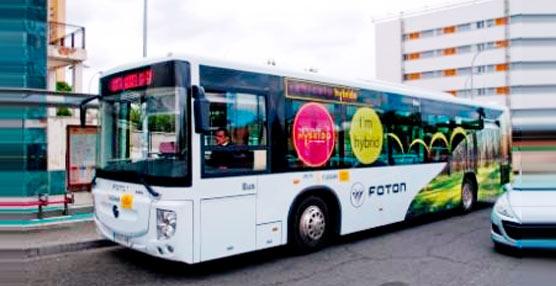 El primer autobús híbrido 'estándar' recorre, en periodo de pruebas, las calles de Sevilla