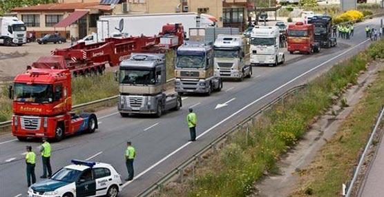 Patronal y sindicatos chocan en la valoración de la huelga de transportes en Cataluña