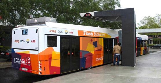 ABB presenta un sistema que permite recargar los autobuses urbanos durante las paradas en 15 segundos
