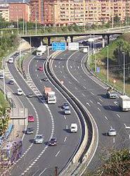 Europa recomienda a España que de prioridad al mantenimiento de las infraestructuras ya existentes