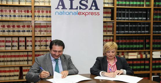 Alsa y la REAJ se unen para incentivar el uso del carné del alberguista y del transporte en autobús