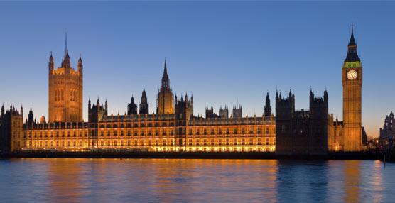 Frost & Sullivan debate sobreel futuro del transporte urbano con ejecutivos del Sector y los parlamentarios británicos
