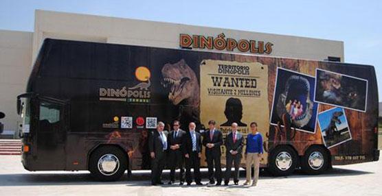 Un autobús tematizado sobre 'Territorio Dinópolis' llegará a La Rioja para brindar información sobre el parque aragonés
