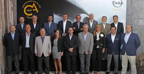 Opel celebra sus premios 'Concesionarios del año 2012' para premiar a los 11 centros más importantes de su red