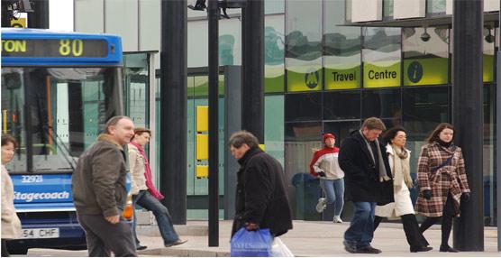Reino Unidodotará demás poder a los municipios en materia de transporte público