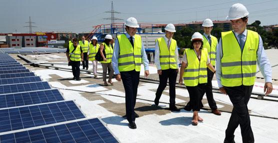 Elogia colabora con Interfrisa en la instalación de una planta solar en los almacenes de Tarrasa