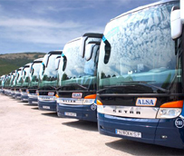 Renfe y Alsa ponen en marcha el primer billete combinado de tren y autobús desde Madrid y Barcelona