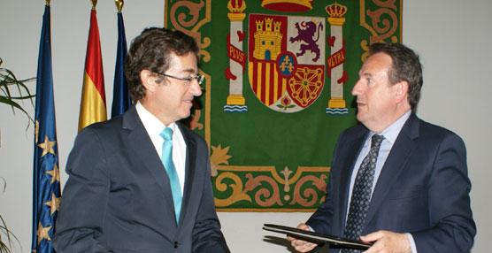 Atuc y FEMP firman un acuerdo para impulsar conjuntamente el transporte colectivo en las entidades locales